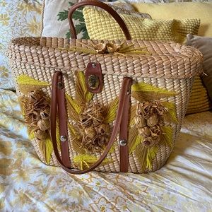 Vintage bohemian Straw Purse with  yellow Flowers